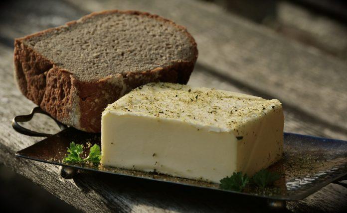 Masło ghee – dlaczego warto je jeść i jak zrobić je w domu?