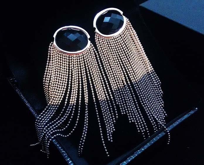 Kolczyki łańcuszki – wybierz ponadczasowe rozwiązanie biżuteryjne